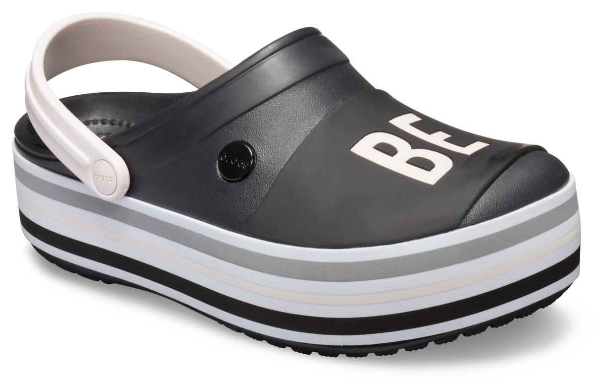 Černé nazouváky (pantofle) Crocs Crocband Bold Color Platform Clog na vysoké platformě