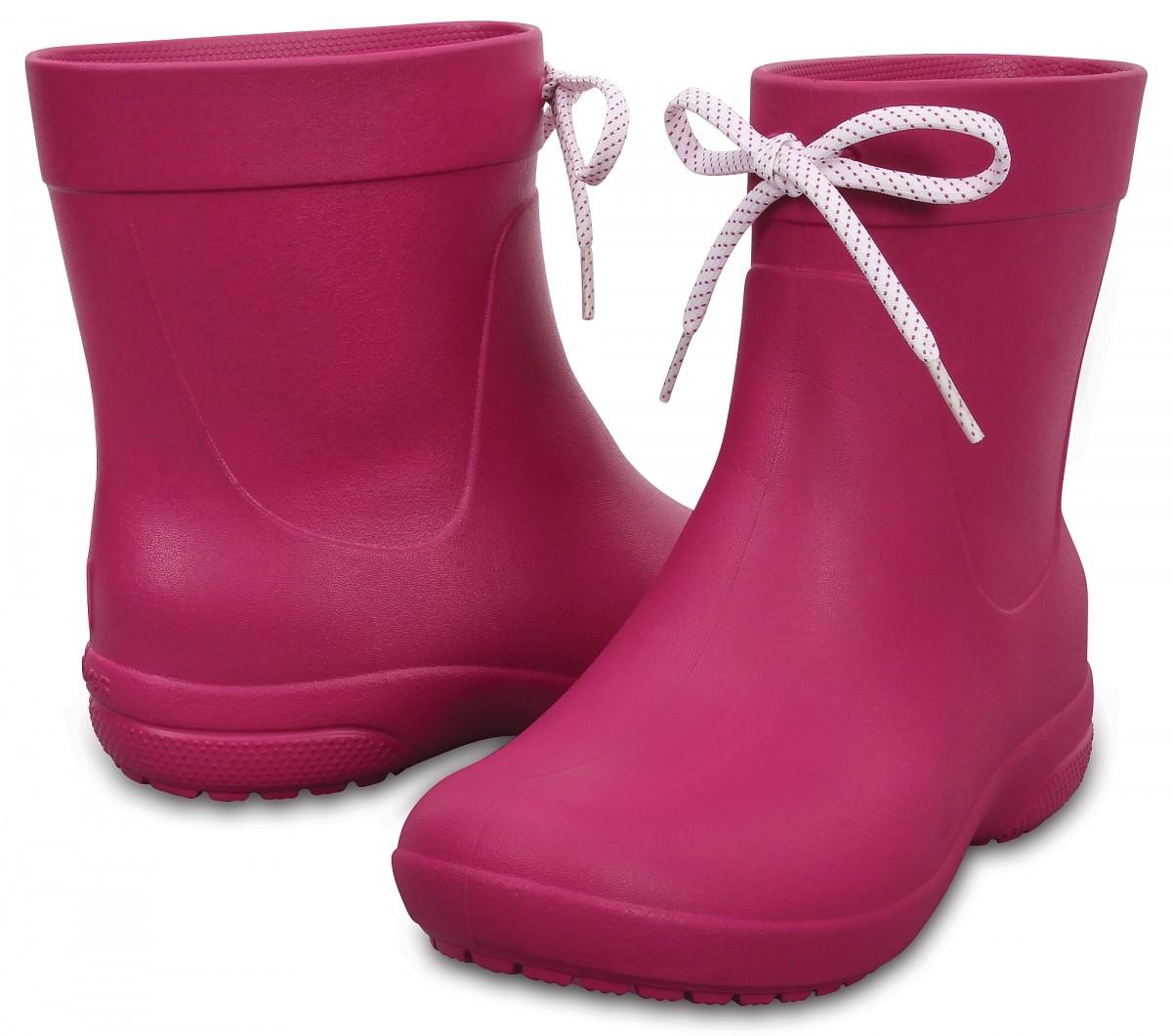 Dámské holínky Crocs Freesail Shorty Rain Boot - Berry 5fb4c344d0