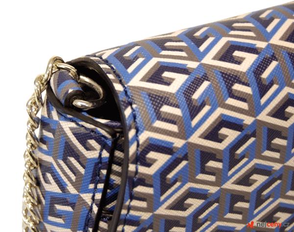 Crossbody kabelka Guess G Cube Bag Blue s elegantním řetízkem