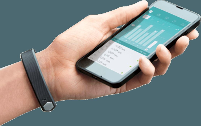 Fitness náramek Fitbit Alta s jednoduchou synchronizací s telefonem.