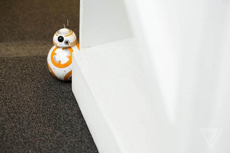 Nezávislé chování Droidu Sphero BB-8