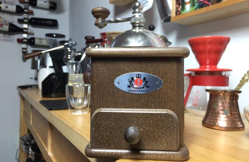 Ruční mlýnek na kávu Zassenhaus Brasilia