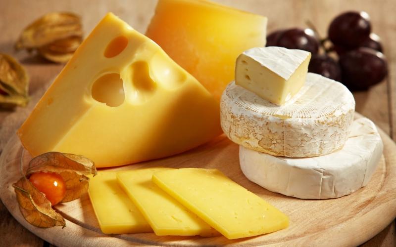 Servírovací sada k podávání sýrů Maxwell & Williams White Basics Bamboo