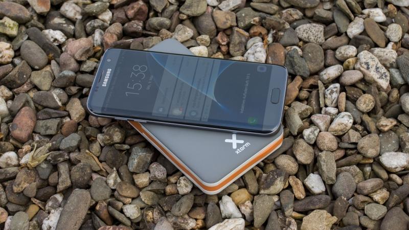Externí baterie Xtorm Power Bank Wireless 8000 s bezdrátovým nabíjením