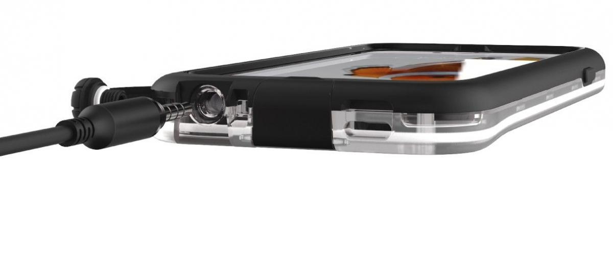 Vodotěsné a prachutěsné pouzdro Tech21 Evo Xplorer s pohodlným přístupek k ovládání