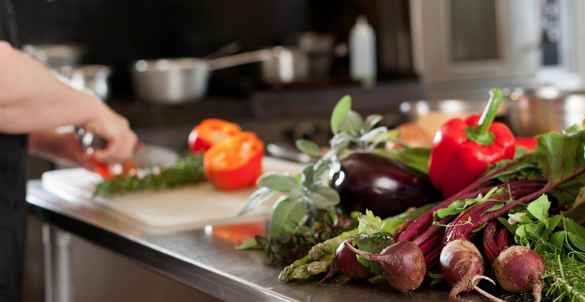 Vaření s keramickými noži Kyocera