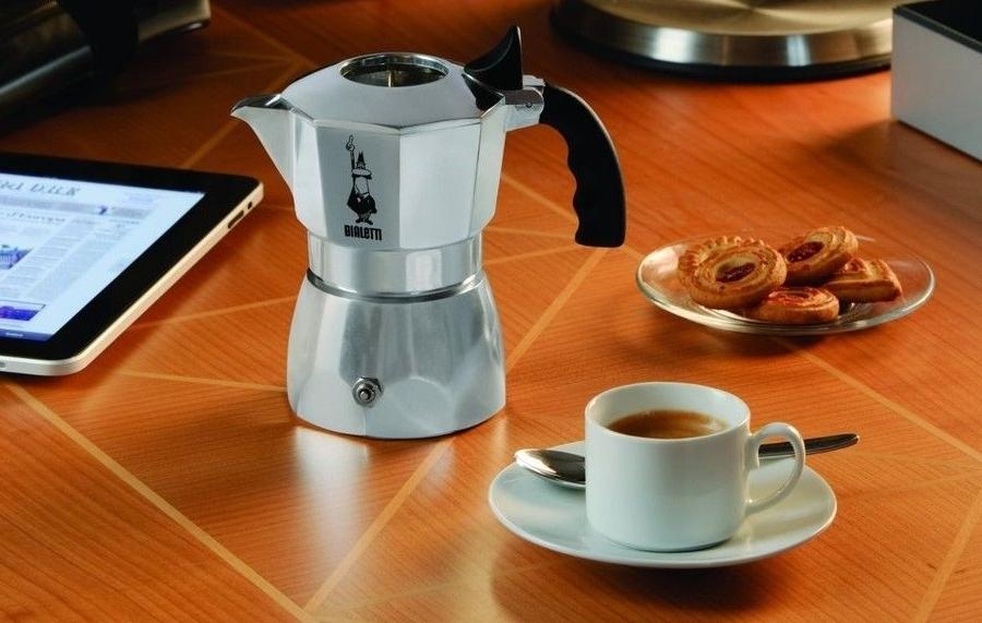 Hliníkový kávovar (Espresso) Bialetti Brikka Elite, 4 šálky