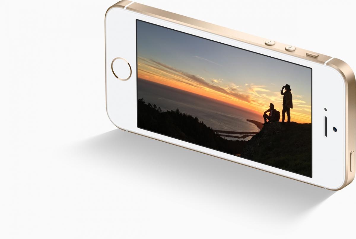 Mobilní telefon Apple iPhone SE se skvělím fotoaparátem