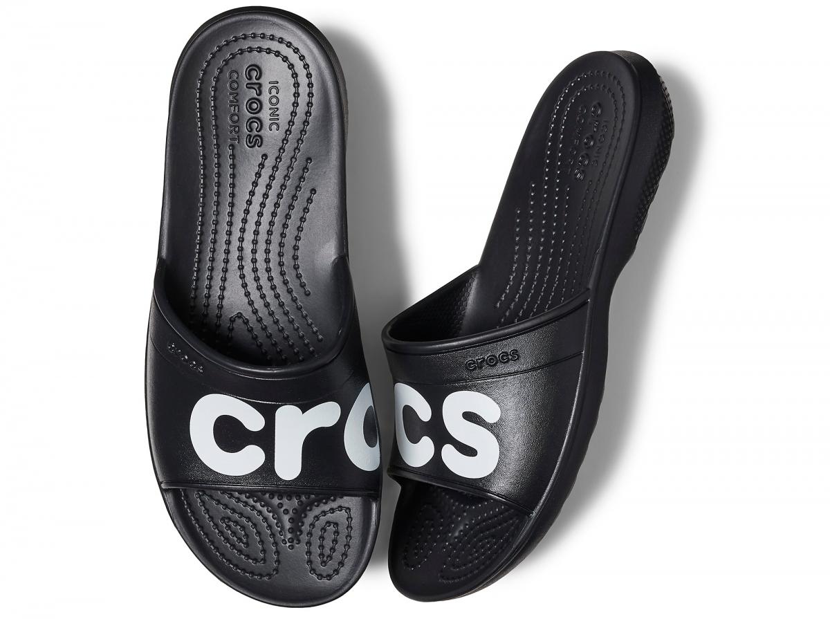 6010fe259c6 Jednoduché a elegantní pantofle Crocs Classic Graphic Slide